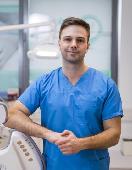 Dr. Nagy Miklós - Dentist