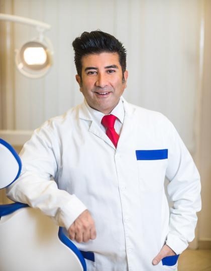 Dr. Ali Dehghani - Dentoalveoláris szájsebész