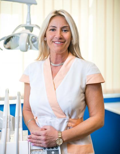 Izsóné Katona Tünde - Vezető fogászati asszisztens, dentalhigiénikus