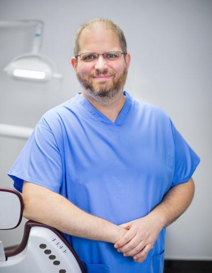 Dr. Ferentzi Balázs - Vezető Fogszakorvos